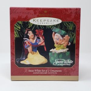 1997 Hallmark Snow White-set of 2 Ornaments.